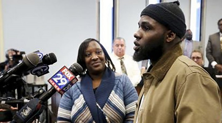 MUSLIM MAN HONORED FOR BREAKING UP FIGHT