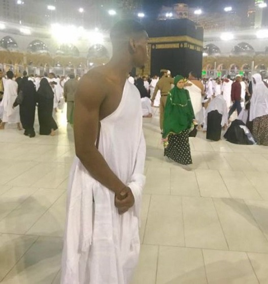 World's most expensive player marks fasting month by giving thanks to Allah