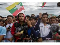UPDATE 2 - Migrant workers gather in Thailand to see Suu Kyi