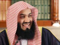 Mufti Menk gives Ghusul to his cats