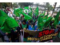 Indonesians protest for rights of Rohingya in Myanmar
