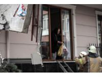 Turkey: Evacuated building collapses in Istanbul