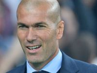 Zinedine Zidane donates medical equipment to Algeria